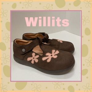 Willits Leather TStrap Flower Mary Jane Shoes 11.5